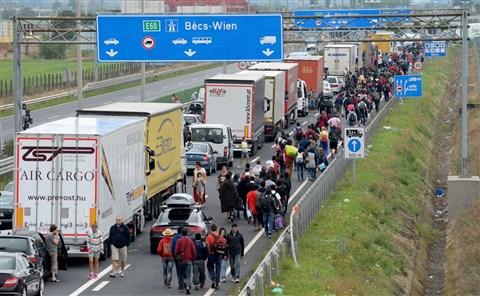 Ausztria bírósággal zsuppoltatná hozzánk vissza a nemkívánatos jövevényeket