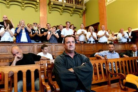 13 év fegyházat kapott Budaházy a hazaárulók elleni állítólagos fellépése miatt, feltételesen sem szabadulhat  <br>